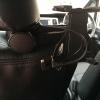 充電・音声ケーブルの配線「ヘッドレスト用タブレットホルダー」を使いやすく