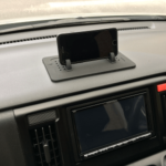 一台二役「シリコン製スマートフォン・ホルダー」