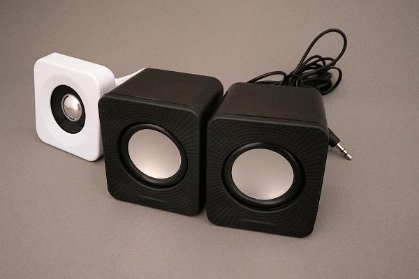 スピーカー ダイソー 【レビュー】ダイソーの500円Bluetoothスピーカー「SR9910」を試してみたら…予想以上の音質でびっくり!